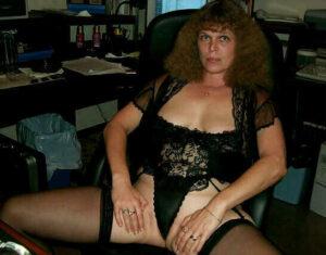 Totalno sam navucena na seksi rublje cipkice haltere i stiklice
